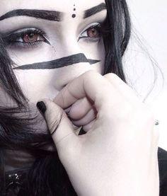 * Dark Warrior * make-up * Dark Warrior * make-up ♥ The post * Dark Warrior * make-up appeared first on Woman Casual - Makeup Recipes Tribal Makeup, Goth Makeup, Dark Makeup, Makeup Art, Eye Makeup, Makeup Ideas, Beauty Makeup, Cosplay Makeup, Costume Makeup