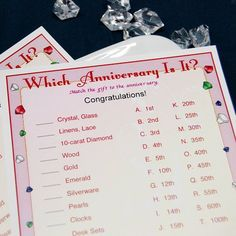 Hardly anyone remembers which gifts to give on which anniversary. That's what makes this anniversary trivia game so much fun! Anniversary Games, 30th Wedding Anniversary, Anniversary Parties, Bridal Games, Bridal Shower Games, Wedding Tips, Wedding Planning, Party Planning, Wedding Stuff