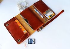 Brown Trifold leather iphone wallet wristlet di AwesomeWomen
