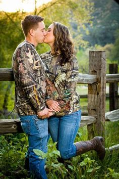 Country engagement pictures camo hunting outdoors duck hunting country engagement pictures barn engagement pictures southern engagement pictures southern engagement photography cheyanne and aj arkansas and oklahoma engagement photographer Country Couple Pictures, Country Engagement Pictures, Country Couples, Couple Picture Poses, Cute Couple Pictures, Engagement Couple, Couple Shoot, Wedding Pictures, Engagement Photos
