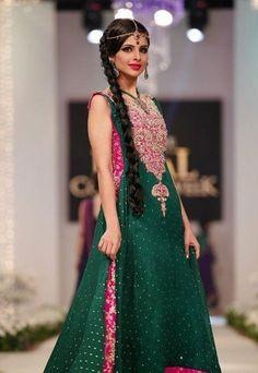 Pakistani Designer Dresses For Mehndi Function-13