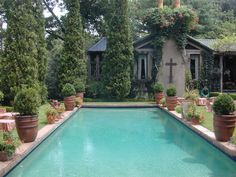 Image from http://st.houzz.com/simgs/37b184b90ef36a93_4-3226/traditional-pool.jpg.