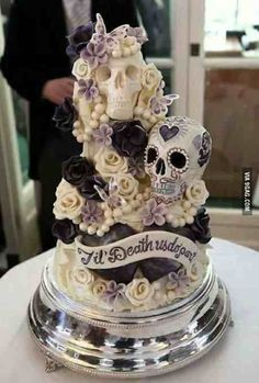 Love this cake - probably won't fit in with my renewal ceremony - but I love it