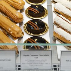 Dominique Ansel Bakery in New York City (link to: 25 Bakeries Around The World You Have To See Before You Die) Bread Winners, Dominique Ansel, Pastry Shop, Dog Treat Recipes, Cake Shop, Healthy Foods To Eat, Places To Eat, Crockpot Recipes, Sweet Tooth
