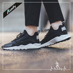 Nike Huarache tüm kıyafetlerinize müthiş uyum sağlıyor.. Satış Fiyatı: 359,