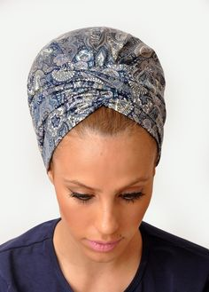 New model of Rinati Lakel summer collection 2015: The Kaliana headscarf is a combination between the Kaly Easy and the B-Chic. The scarf features an additional strip which can be wrapped around the head - and twisted or tied to create a headband.