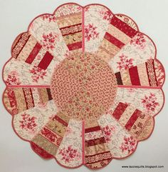 Tazzie Quilts: My Dresden Table Topper is finished ...