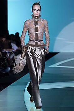 Valentino Fall 2001 Ready-to-Wear Fashion Show - Valentino Garavani, Danita Angell