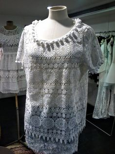 pompons broderie top Lace, Tops, Women, Fashion, Pom Poms, Fashion Ideas, Trendy Outfits, Broderie Anglaise, Fall Winter
