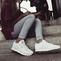 Sport Outfits, Girl Outfits, Winter Outfits, Summer Outfits, Classic Outfits, Classic Leather, Urban Outfits, White Sneakers, Autumn Winter Fashion