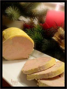 foie gras maison (recette pochée ) et chutney d' oignons et de figues.