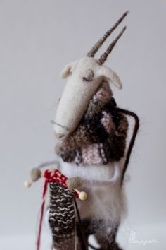 Knitting ram. Войлочная коза