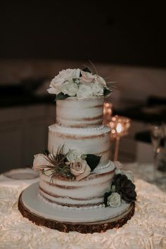 air plants + succulents in this wedding cake - yes!