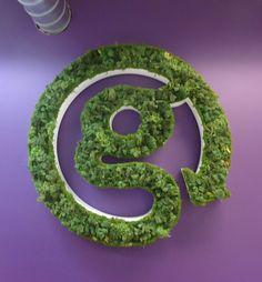 G-reen logo. Sandwich Bar, Garden Wall Designs, Green Office, Diy Cans, Moss Garden, Vertical Gardens, Green Walls, Visual Identity, Trellis