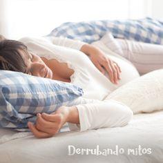 Quem disse que não é possível dormir bem durante a gestação? Aproveitar cada minuto desta fase tão especial requer alguns cuidados. Evite cochilar durante o dia e assistir TV antes de deitar, isso pode atrapalhar o seu sono. Faça refeições leves no jantar e, ao dormir de lado, experimente usar um travesseiro entre os joelhos para alinhar o quadril e a coluna. Boa noite, futura mamãe.  #colchõesbotafogo #colchõesbotafogoipanema #colchões #sealy #simmons #tempur #epeda #stearns&foster #ipanema…