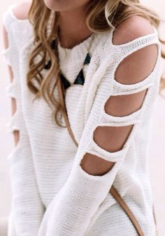 This looks soooo comfy and the cutout sleeves just the right amount of sexy while remaining chic & stylish! I actually own this and I get a million compliments! It looks great on everyone! Estilo Fashion, Hipster Fashion, Refashioning, Fall Sweaters, Sweaters Knitted, Mode Inspiration, Looks Style, Look Chic, Mode Style