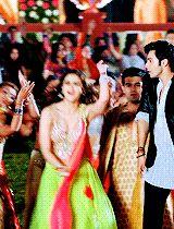 Humpty Sharma Ki Dulhania, Alia And Varun, Alia Bhatt, Bollywood Actors, Actors & Actresses, Gifs, Wrestling, Lucha Libre, Presents