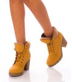 Bocanci gen Timberland dama cu toc gros si blanita Timberland, Oxford Shoes, Women, Fashion, Moda, Women's, Fashion Styles, Timberlands, Oxford Shoe