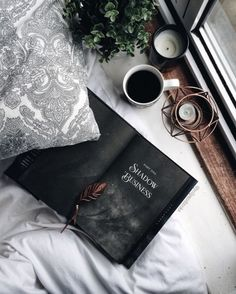 I started Six of Crows this morning for the last week of and I'm enjoying it so much already! I don't think I've ever been… I Love Books, Good Books, Books To Read, Reading Books, Fred Instagram, Coffee Photography, Coffee And Books, Book Aesthetic, Aesthetic Pictures