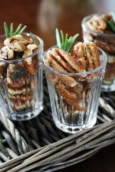 Plan the perfect Kentucky Derby Party with this guide! Easy recipes and decor to make your Kentucky Derby Party planning seamless! Brown Butter, Brown Sugar, Kentucy Derby, Derby Time, Kentucky Derby Food, Kentucky Derby Party Ideas, Derby Recipe, Biscuits, Cocktail Party Food