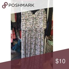 Maxi dress with cute design ☀️ Maxi dress! Black, white, pink, and green! Has a cute open cute geometrical design at the top! True to size. Dresses Maxi