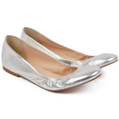 #silver #shoes Silver Shoes, Flats, Fashion, Loafers & Slip Ons, Moda, Fashion Styles, Ballerinas, Fashion Illustrations, Apartments