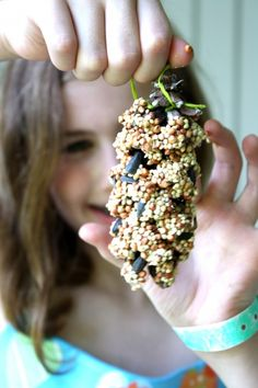 How to make this pine cone bird feeder - super simple project for kids! | Magazines.com #DIY