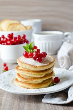 Breakfast Photography, Food Photography, Fruit Recipes, Cooking Recipes, Breakfast Tea, Chocolate Coffee, Food Hacks, Food Styling, Food And Drink