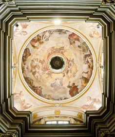 La cupola della Cappella del Crocifisso nella Chiesa di Santa Brigida #piacenza #emiliaromagna