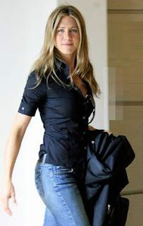 NfashioN : Jennifer Aniston Street Style