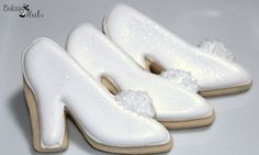 These elegant glass slipper cookies are embellished with sanding sugar and disco dust. Listing is for one dozen (12) Cinderella/Bridal Shoe cookie