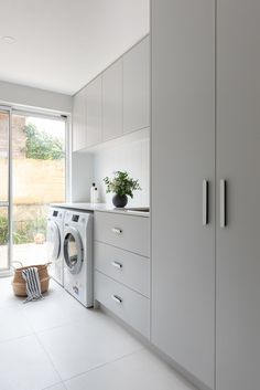 A laundry makeover that's practical, functional AND beautiful What a transformation! We chat to Jane Ledger Interiors about how this laundry makeover became both functional and beautiful. Laundry Room Layouts, Modern Laundry Rooms, Laundry Room Remodel, Laundry Room Organization, Narrow Laundry Rooms, Laundry Decor, Laundry Room Design, Laundry In Bathroom, Laundry In Kitchen