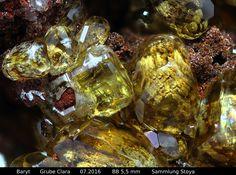 Baryt auf Goethit Clara Mine, Rankach valley, Oberwolfach, Wolfach, Black Forest, Baden-Württemberg, Germany Copyright © Stoya