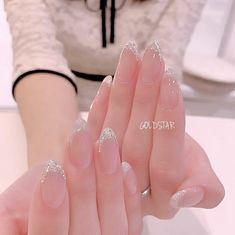 Semi-permanent varnish, false nails, patches: which manicure to choose? - My Nails Bridal Nails, Wedding Nails, Cute Nails, Pretty Nails, Pink Nails, My Nails, Korean Nail Art, Acryl Nails, Kawaii Nails
