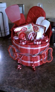 Gift Baskets handmade for him or her and packed with Premium Wine, Chocolates Fruits, Nuts, Beer and more! Gourmet Gift Baskets - Gifts for all Occasions. Diy Gift Baskets, Raffle Baskets, Holiday Gift Baskets, Gift Basket Ideas, Homemade Gift Baskets, Diy Christmas Baskets, Themed Gift Baskets, Baking Gift Baskets, Kitchen Gift Baskets