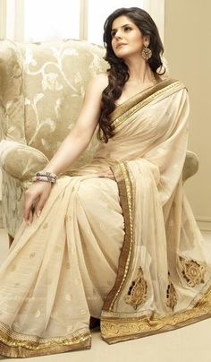 Price : 3836 INR;   Product Code	:	G3-LS2236;   Product Name	:	Beige Net Embroidered Partywear Saree