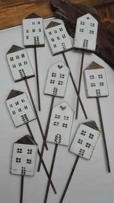Little White House, Little Houses, Craft Projects, Craft Ideas, Wooden Houses, Timber House, White Houses, Diy And Crafts, Sweet Home