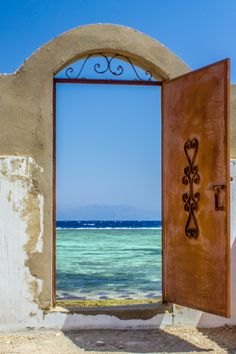 Gateway to the sea, Dahab, Egypt » This is my kind of door. Photo by 500px.com/photo.