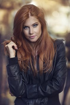 Photograph Vanessa - Natural Light by Dani Diamond on 500px
