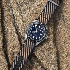 Oris Divers Sixty-Five Recycled Textile Strap Men's Watch 01 733 7720 5 21 13 Stylish Watches, Luxury Watches, Cool Watches, Best Watches For Men, Vintage Watches For Men, Army Watches, Male Watches, Expensive Watches, Beautiful Watches