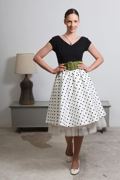 super cute. would definitely wear this with the crinoline to give it that extra POOF!