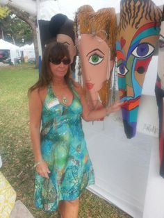 Me with my PalmFrondPersonaliti at Art Fiesta in the Park, New Smyrna Beach, FL. Palm Frond Art, Palm Tree Art, Palm Fronds, Palm Trees, New Smyrna Beach, My Art Studio, Sea Art, Bottle Caps, Wood Sculpture