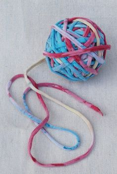 Recycle your old t-shirts into yarn! You can use t-shirt yarn to make jewelry, rugs, bags, coasters and lots more!: