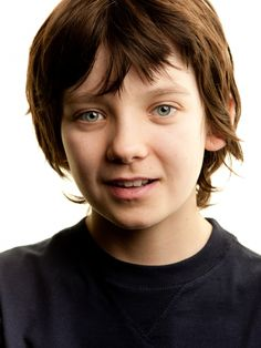 This actor was in Hugo. I was impressed by his acting. But I really must ask, how old is this child? Because his eyes make him look like he's in his at least. Asa Buterfield, Hugo Cabret, Ender's Game, Boy Models, Child Actors, New Star, I Movie, Game Movie, Cute Boys