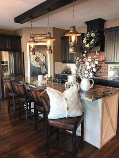 Rustic Kitchen Ideas - Rustic kitchen cabinet is a gorgeous combination of nation home and farmhouse design. Browse 30 ideas of rustic kitchen design here Home Decor Kitchen, New Kitchen, Home Kitchens, Summer Kitchen, Farm Kitchen Ideas, Black Kitchen Decor, Kitchen Mats, Cozy Kitchen, Kitchen White