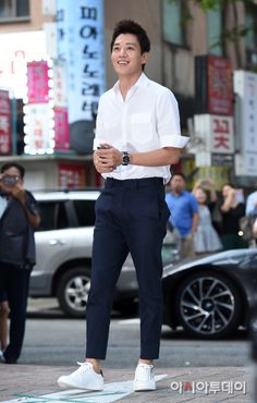 Doctor Crush cast members celebrate the show's finale together Asian Actors, Korean Actors, Doctors Korean Drama, Kim Rae Won, Cast Member, Korean Entertainment, Korean Star, Shawn Mendes, Creative Photography