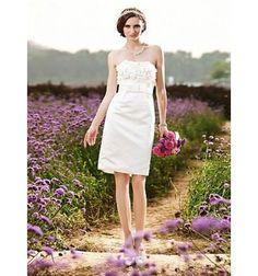 Petite robe de mariée bustier droit décoré de fleurs de tissu online économique sur miamstore