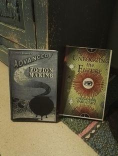 Vanhat kirjat päällystettyinä.