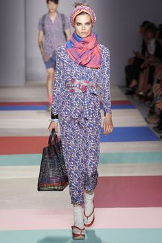 LOVE LOVE LOVE the scarf Marc by Marc Jacobs Spring 2013 Ready-to-Wear Collection Slideshow on Style.com