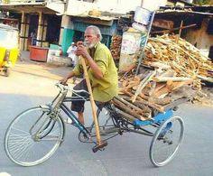 Faire du vélo à une jambe
